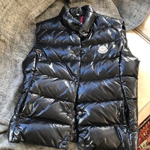 Woman's small Moncler down vest, black